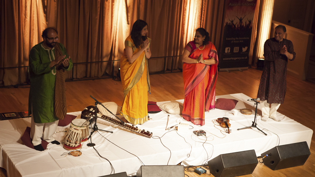 A magical evening with Roopa and Jyotsna!