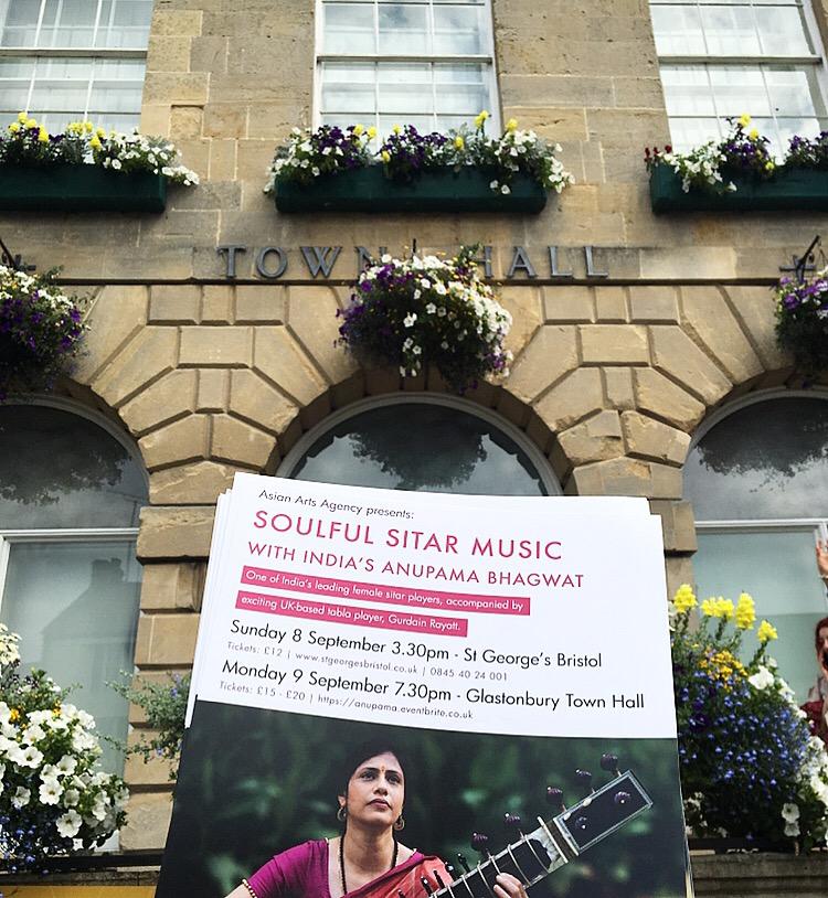 Live music in Glastonbury